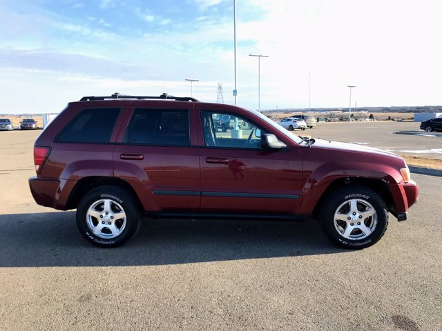 Pre-Owned 2007 Jeep Grand Cherokee Laredo