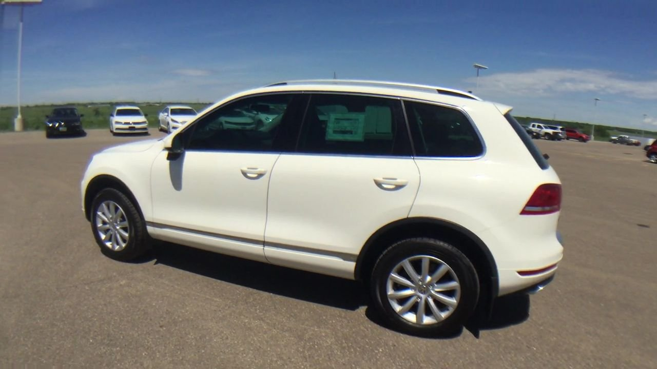 Pre-Owned 2011 Volkswagen Touareg Sport